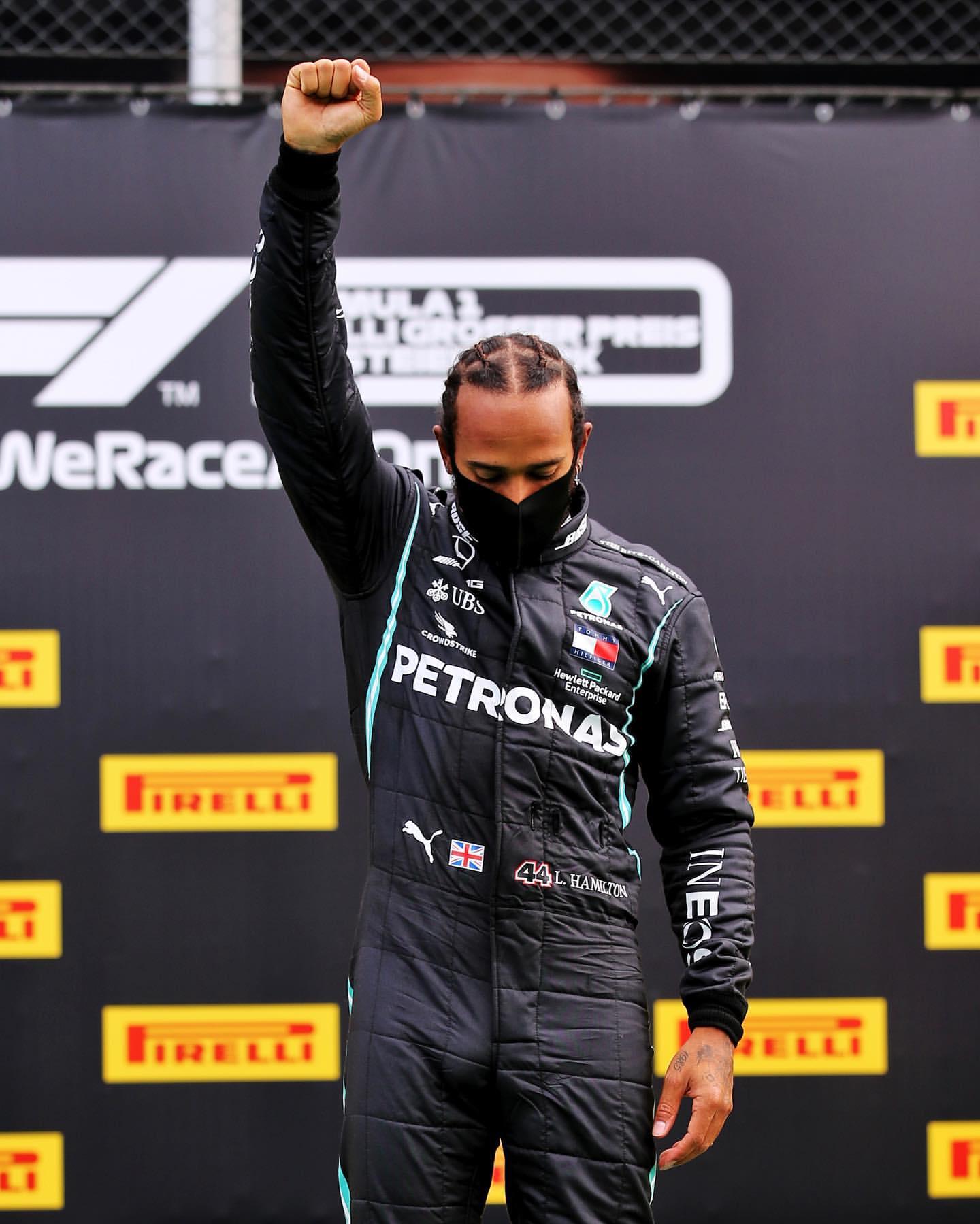詹姆斯转发F1汉密尔顿关于暗人平权帖子:向你致敬!