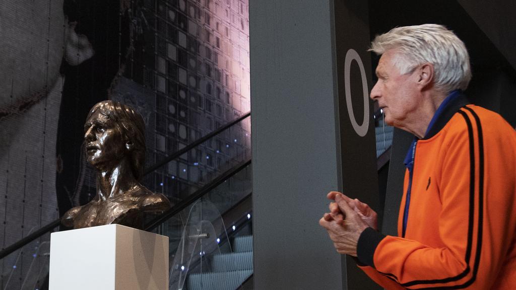 荷兰队史最佳右后卫苏比尔去世,曾随阿贾克斯3夺欧冠