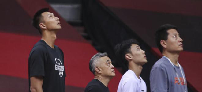 CBA官方发布广东男篮对阵广州大名单:易建联、徐杰在列