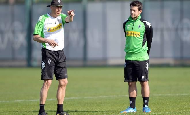 尤尼斯:不理解对法夫尔的批评,并非大喊大叫才是好教练