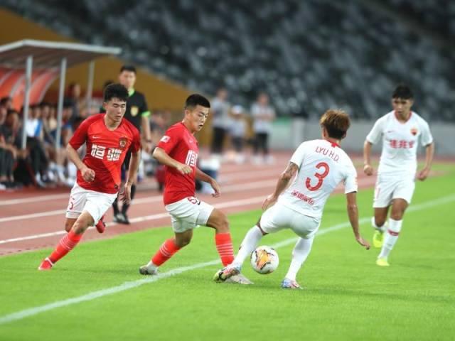 粤媒:新赛季恒大50人名单敲定,半数球员出自恒大足校
