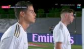 哈梅斯在球队庆祝夺冠时被转播方拍