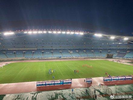 热身赛:吴曦梅开二度,江苏苏宁2-0重庆当代
