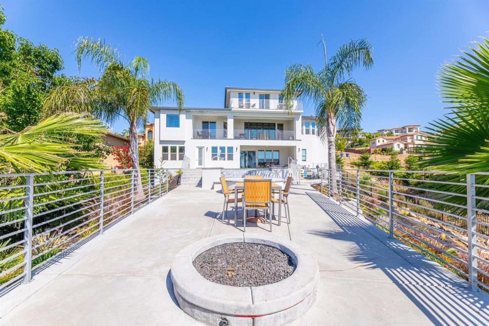 达龙-福克斯挂牌出售其加州佛森的豪宅,售价170万美元