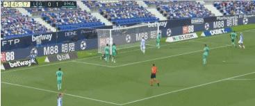 GIF:希尔小角度穿裆,莱加内斯1-1追平皇马