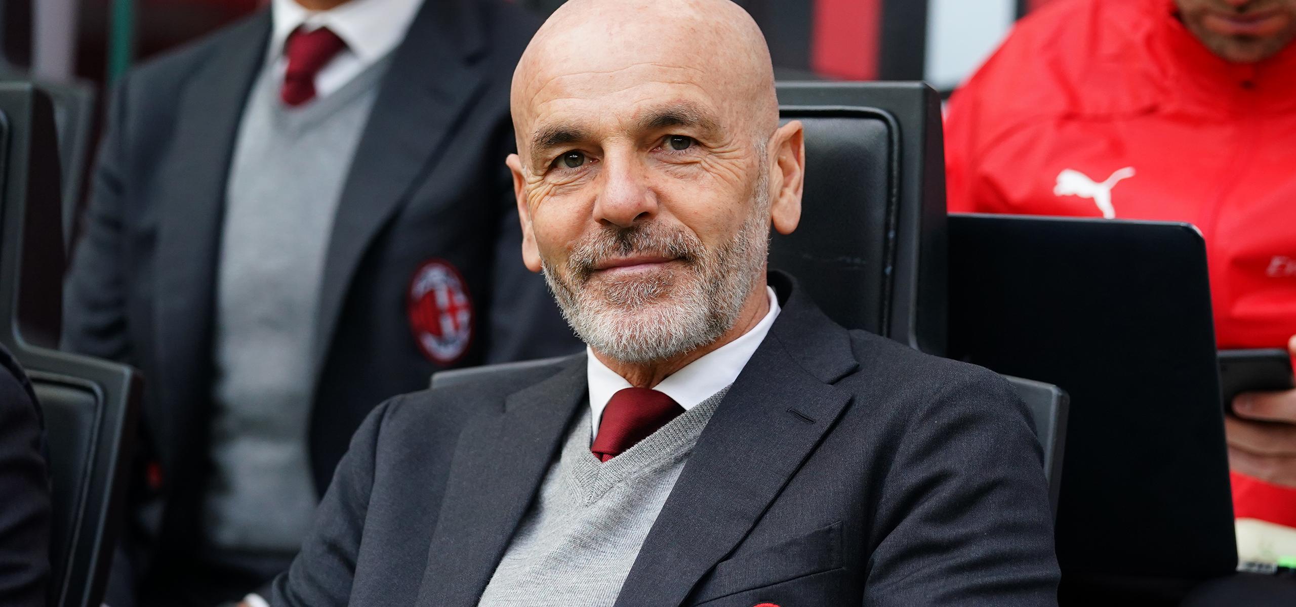 官方:AC米兰与主帅皮奥利续约至2022年