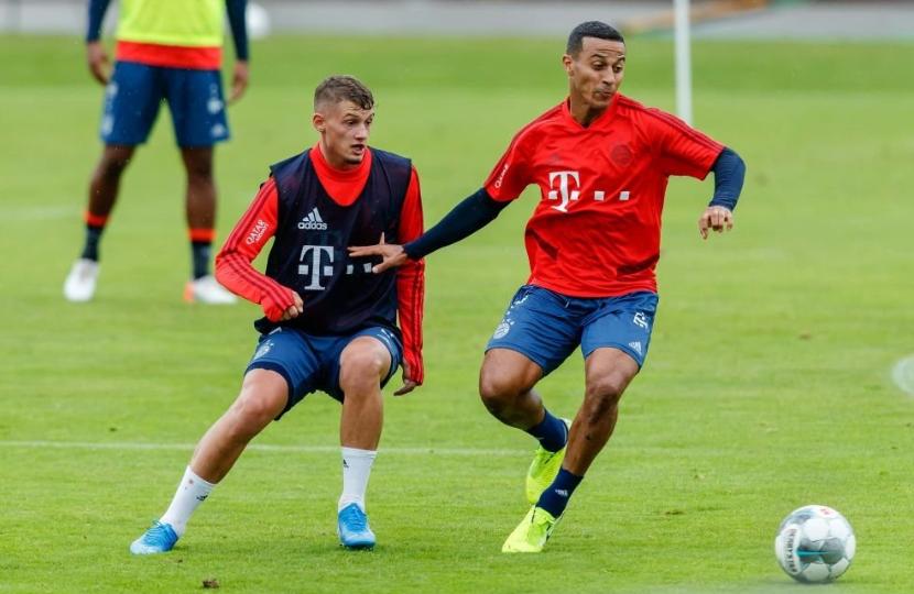 体图:拜仁今夏不再有巨额转会,将以引进年轻人为主