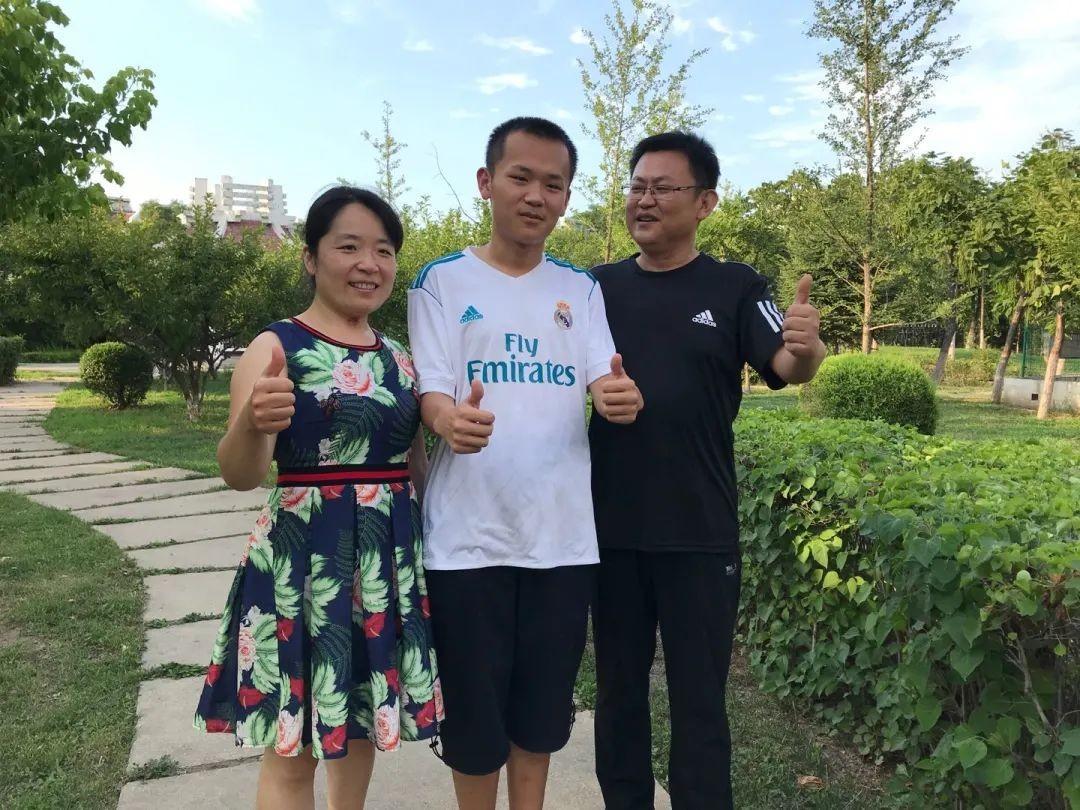 榜样的力量!辽宁某C罗球迷考生数学满分,总分高达698  足球话题区
