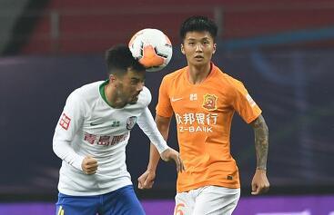 GIF:刘云射门造殷亚吉乌龙,卓尔1-0黄海