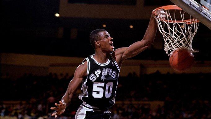 距离复赛还剩四天,NBA历史上共四位球员曾单场砍下四双