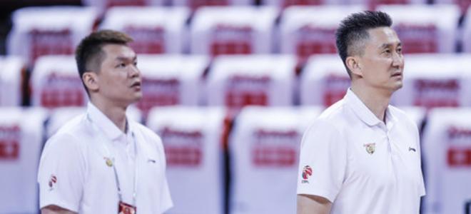 朱芳雨祝贺杜锋蝉联常规赛最佳教练:生日最好的礼物