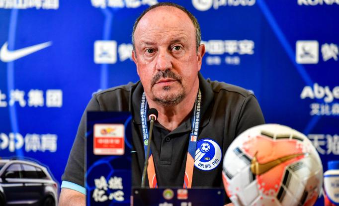 贝尼特斯:年轻球员是中国足球的未来,轮换球员足够