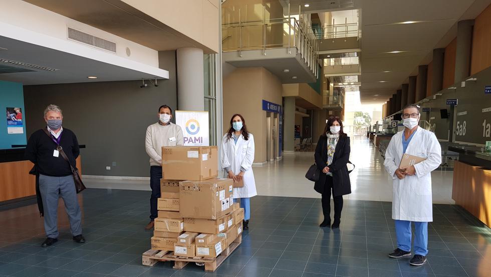心系家乡!梅西基金会向罗萨里奥医院捐赠了50套呼吸机