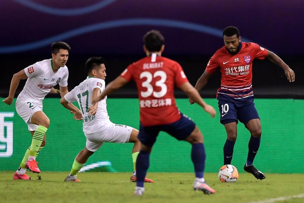 半场:王伟染红,重庆0-0黄海
