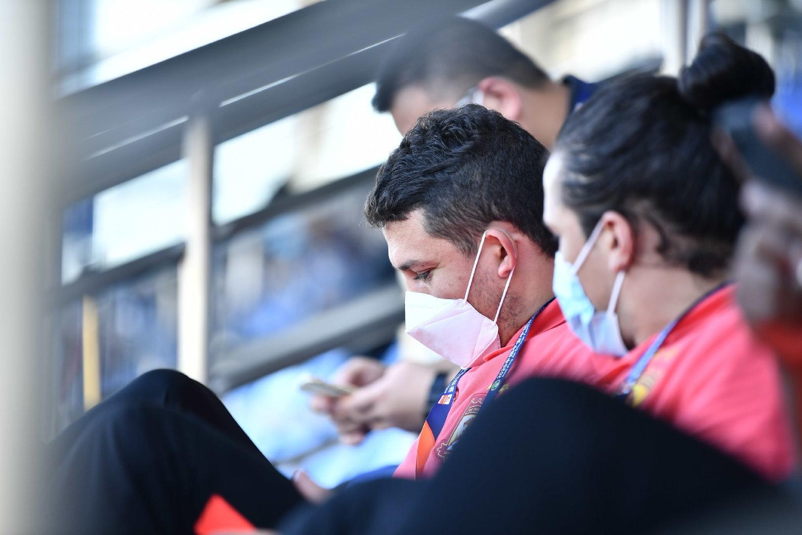 足球报:艾克森被内部处罚后,主动找主帅卡纳瓦罗道歉