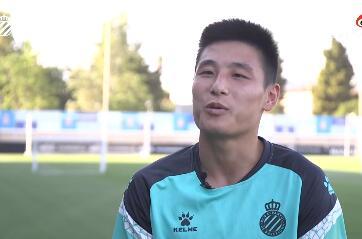 武磊:很开心与球队续约,会尽最大努力为西班牙人战斗