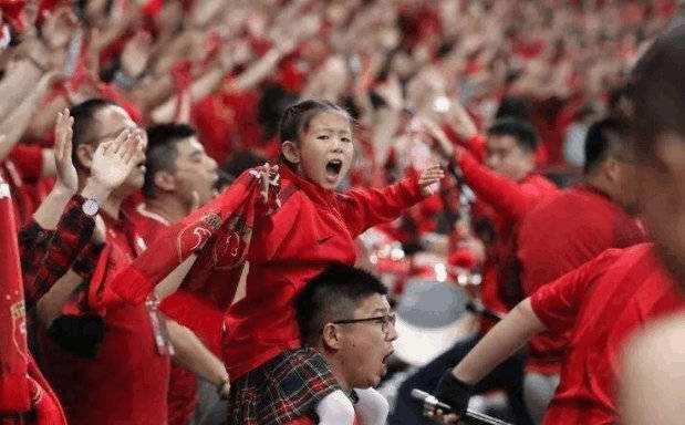 沪媒:京沪战球迷有望入场,上港球迷会招募现场观众