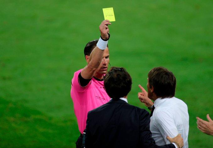 GIF:卡洛斯疑似手球,孔蒂不满判罚吃到黄牌