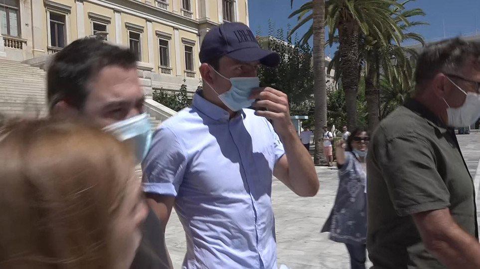 希腊媒体:马奎尔被释放,针对他袭警的审讯推迟至下周二