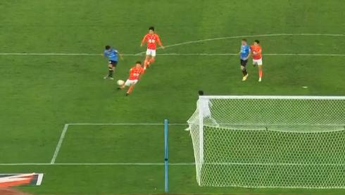 GIF:大连人反击打穿恒大防线,林良铭临门一脚太正失良机
