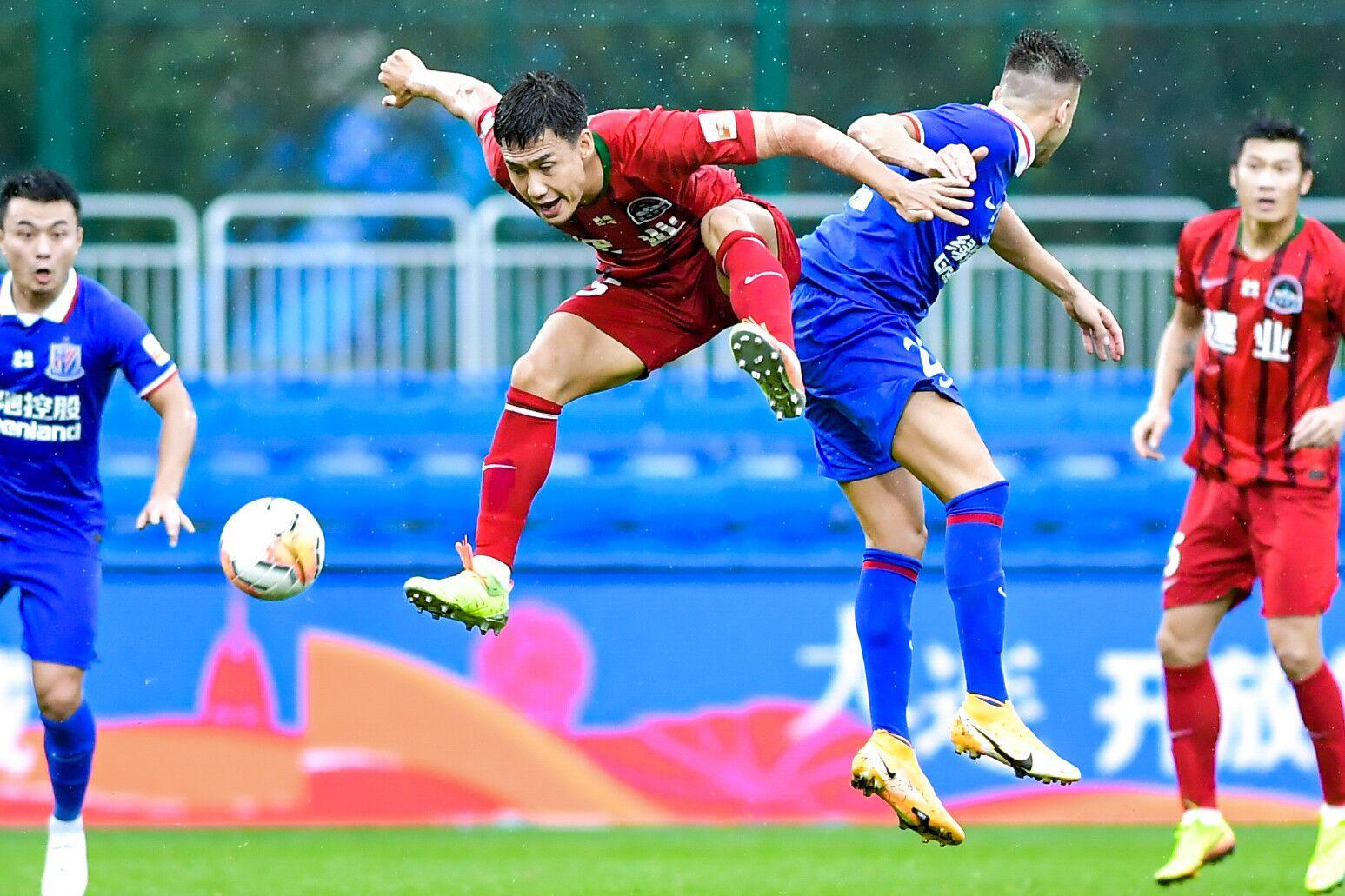 莫雷诺失单刀伊沃替补登场伤退,申花0-0建业