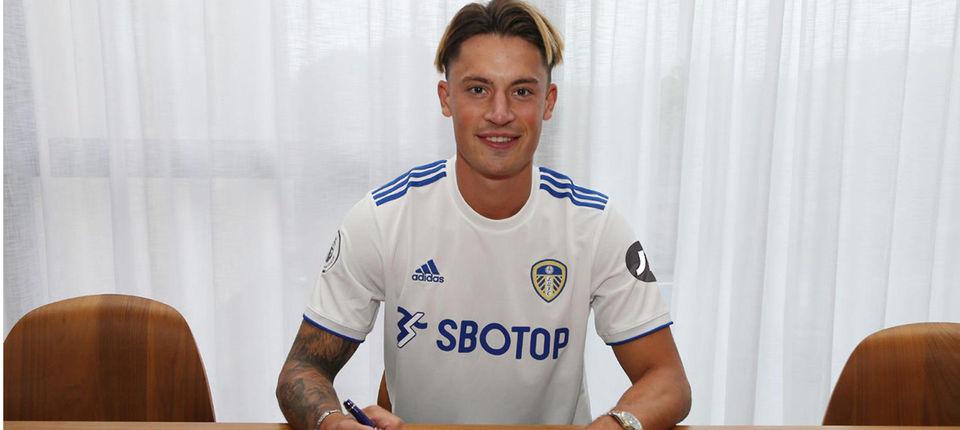 利兹联官方:球队签下弗赖堡中卫罗宾科赫,两边签约四年