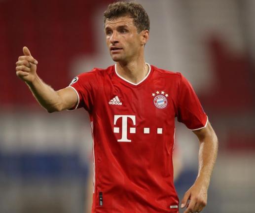 踢球者德甲半程进攻型中场评级:穆勒入选唯一世界级