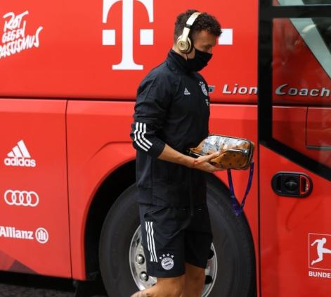 德媒:拜仁上赛季和国米各承担佩里西奇500万年薪