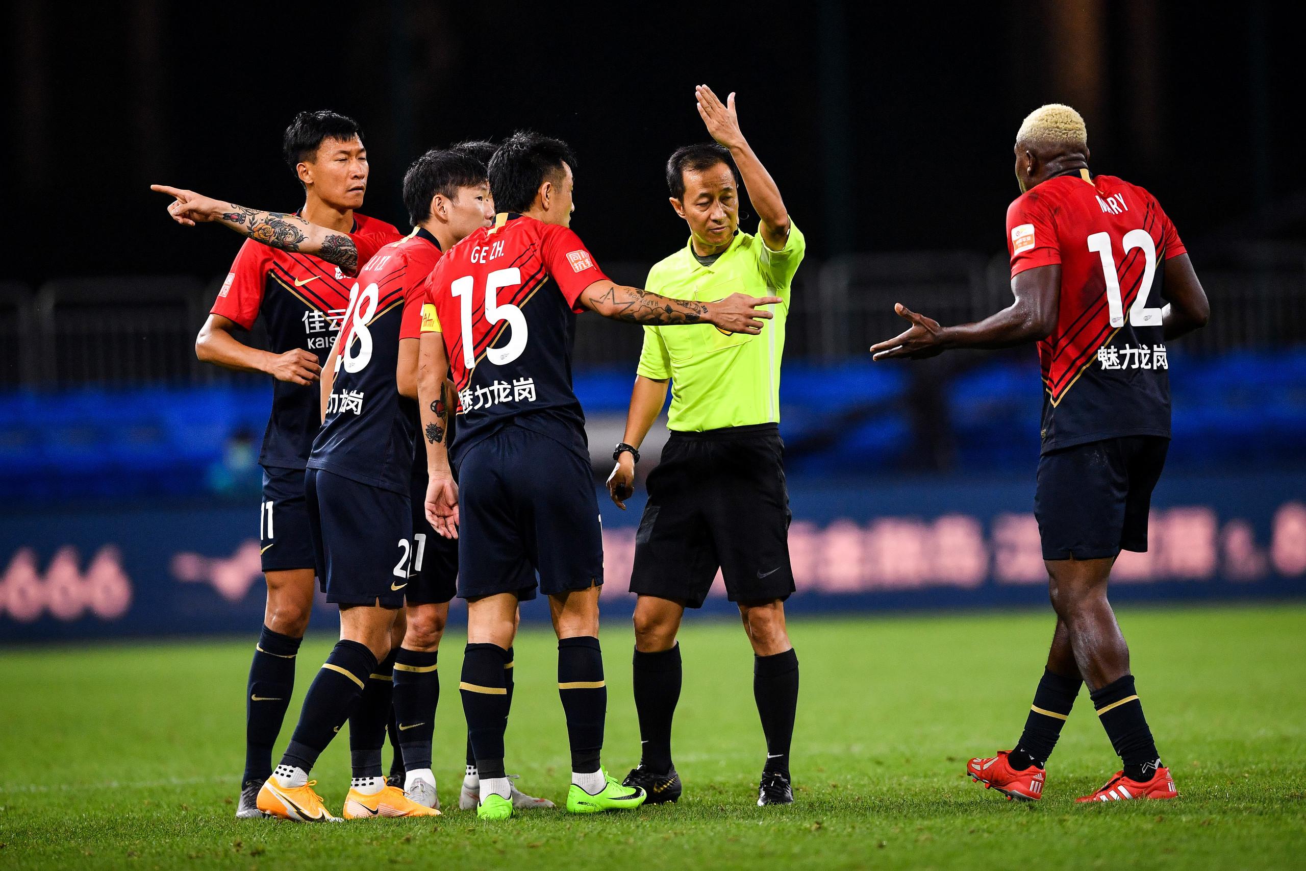 足球报:马里被激怒因遭种族歧视,深足欲就此向足协申诉