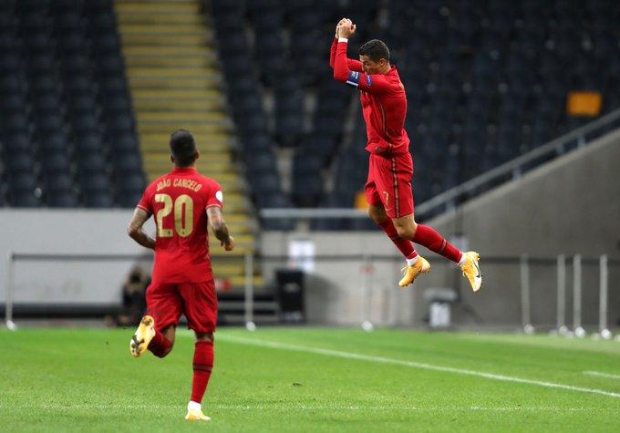 GIF:C罗接费利克斯传球梅开二度,葡萄牙扩大比分