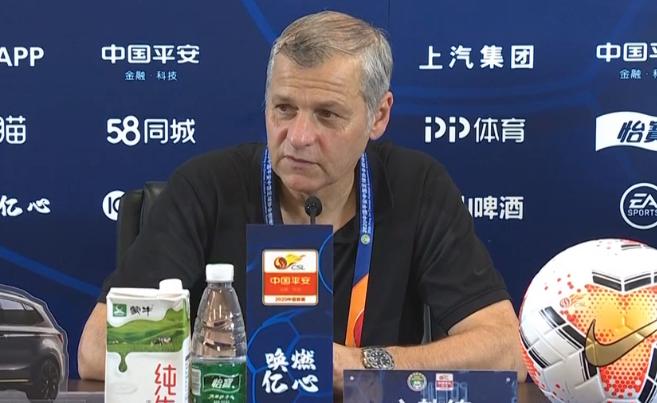 热内西奥:傲骨非常重要,相信他会带领球队取得好成绩 第1张