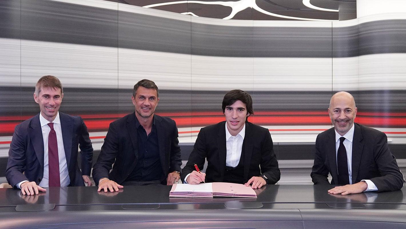 马尔蒂尼:欢迎托纳利,他将为俱乐部未来的成功做出贡献 第1张
