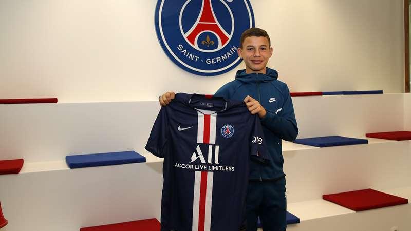 法国足球:多特有意巴黎16岁进攻中场Gharbi