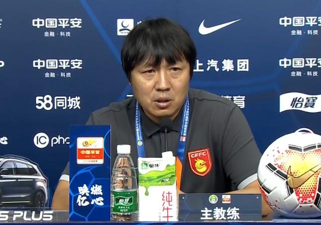 谢峰:球员在落后2球时不放弃,感谢他们的拼搏精神