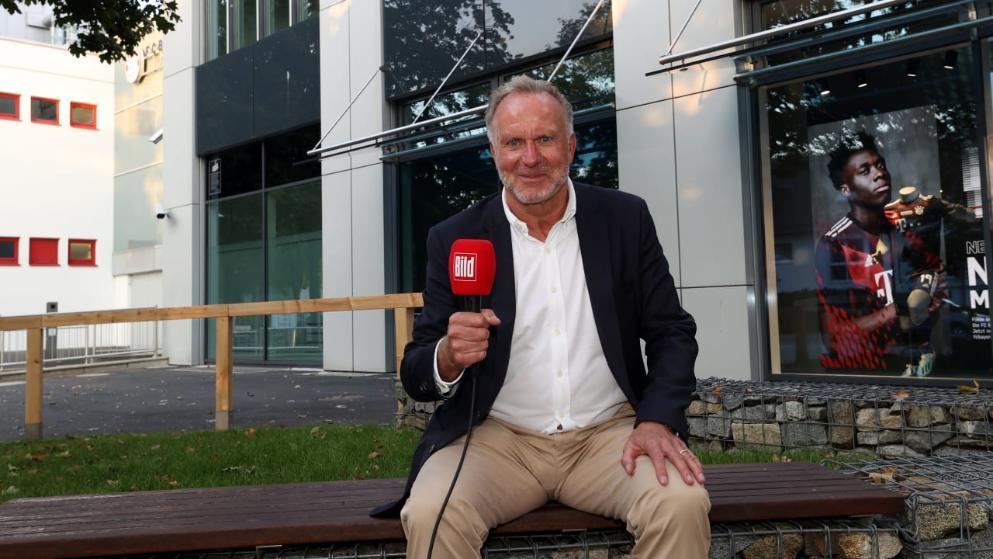 拜仁慕尼黑CEO鲁梅尼格日前在承受采访的时分谈到了一则趣闻
