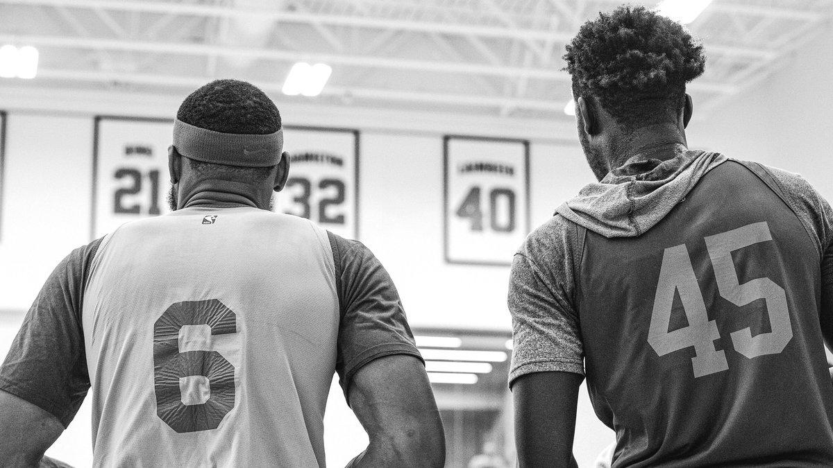 KPL下注活塞官方推特发布最新球队训练图集:回归的感觉很棒_KPL下注NBA新闻