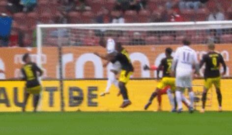GIF:率先破门,乌多凯进球,多特0-1奥格斯堡
