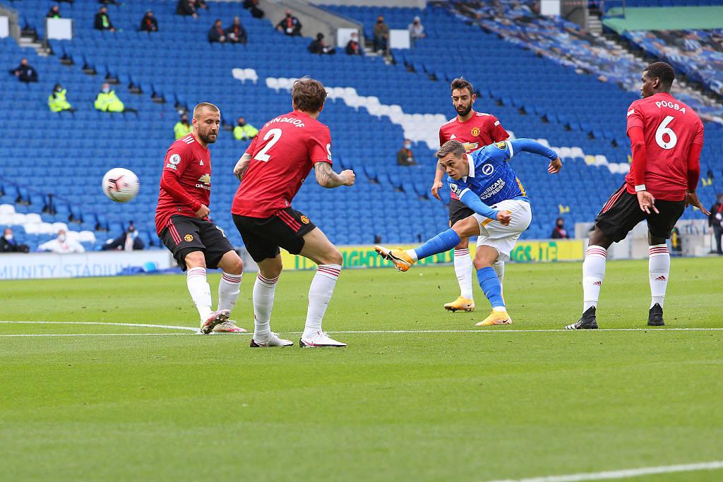 半场:莫佩勺子点球破门马奎尔扳平,布莱顿1-1曼联