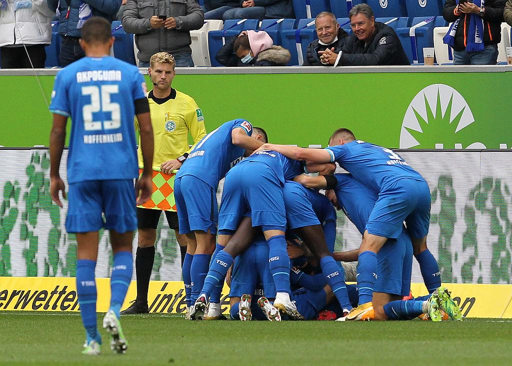 半场:比查克契奇达布尔基米希破门,霍芬海姆2-1拜仁