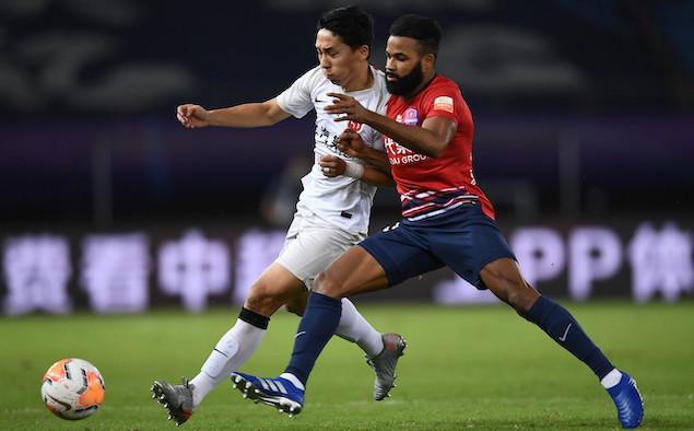 半场:张卫染红元敏诚头球破门,重庆1-0上港