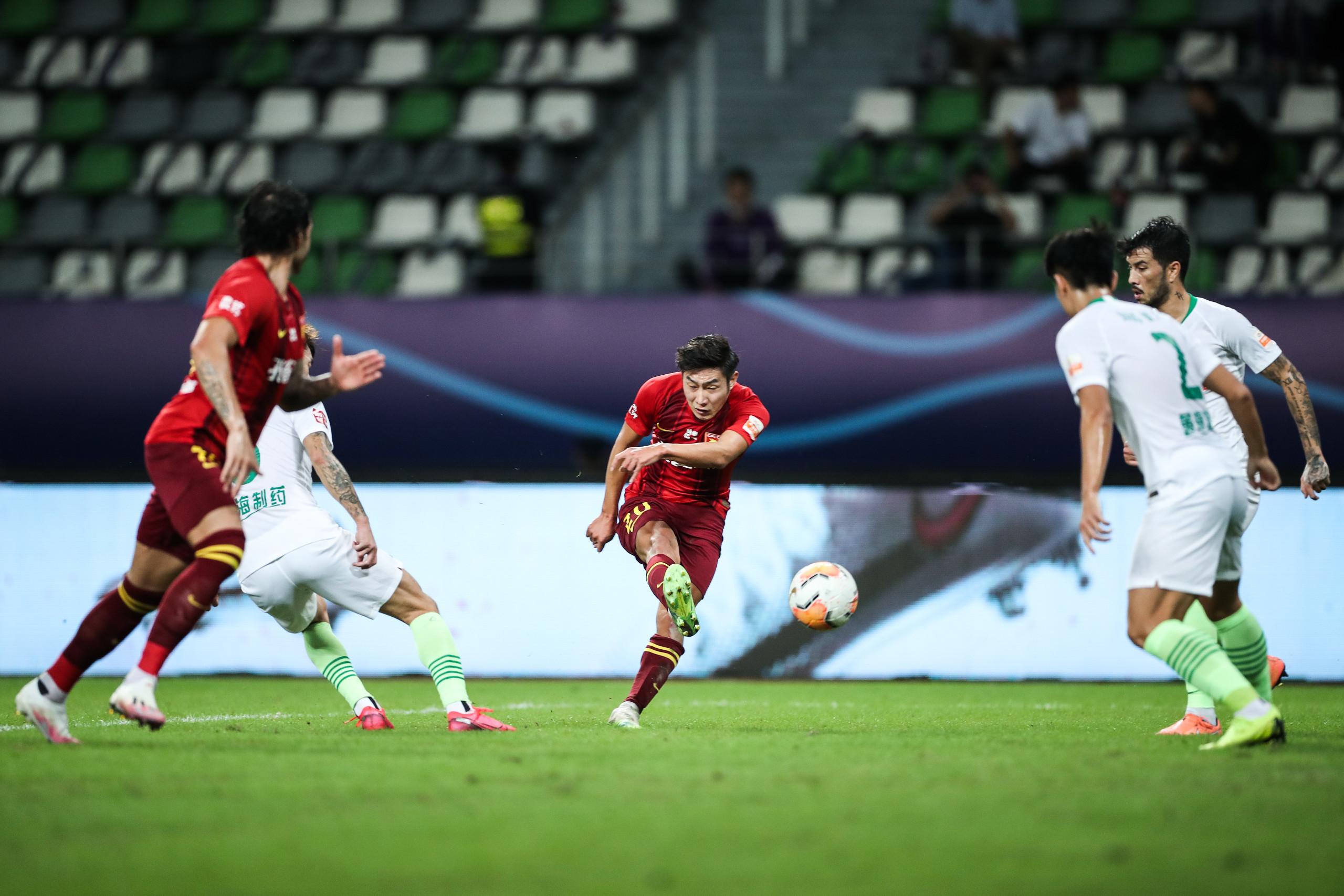 半场:马尔康、高华泽破门,华夏幸福2-0黄海