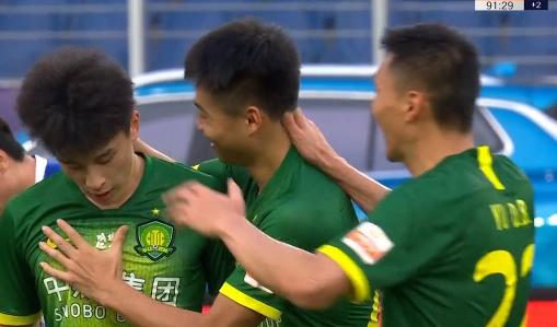GIF:永昌后防线失误,巴顿射门得分,国安4-0领先