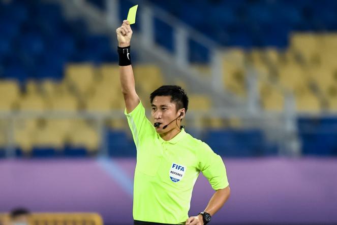 裁判统计:马宁出示黄牌最多,张雷红牌第一