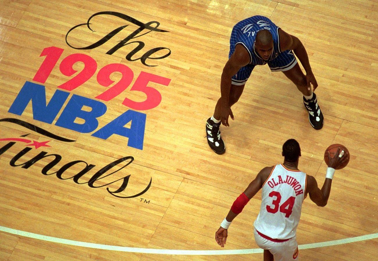 失望!网友晒出1995年总决赛地板与今年总决赛地板的对比