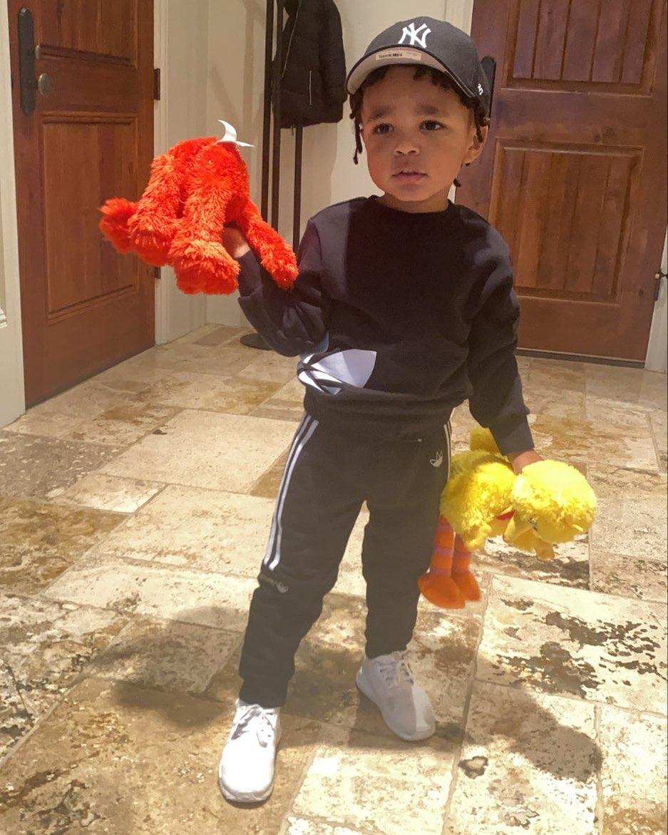 Little Dame!利拉德晒儿子的照片庆祝全国儿子日