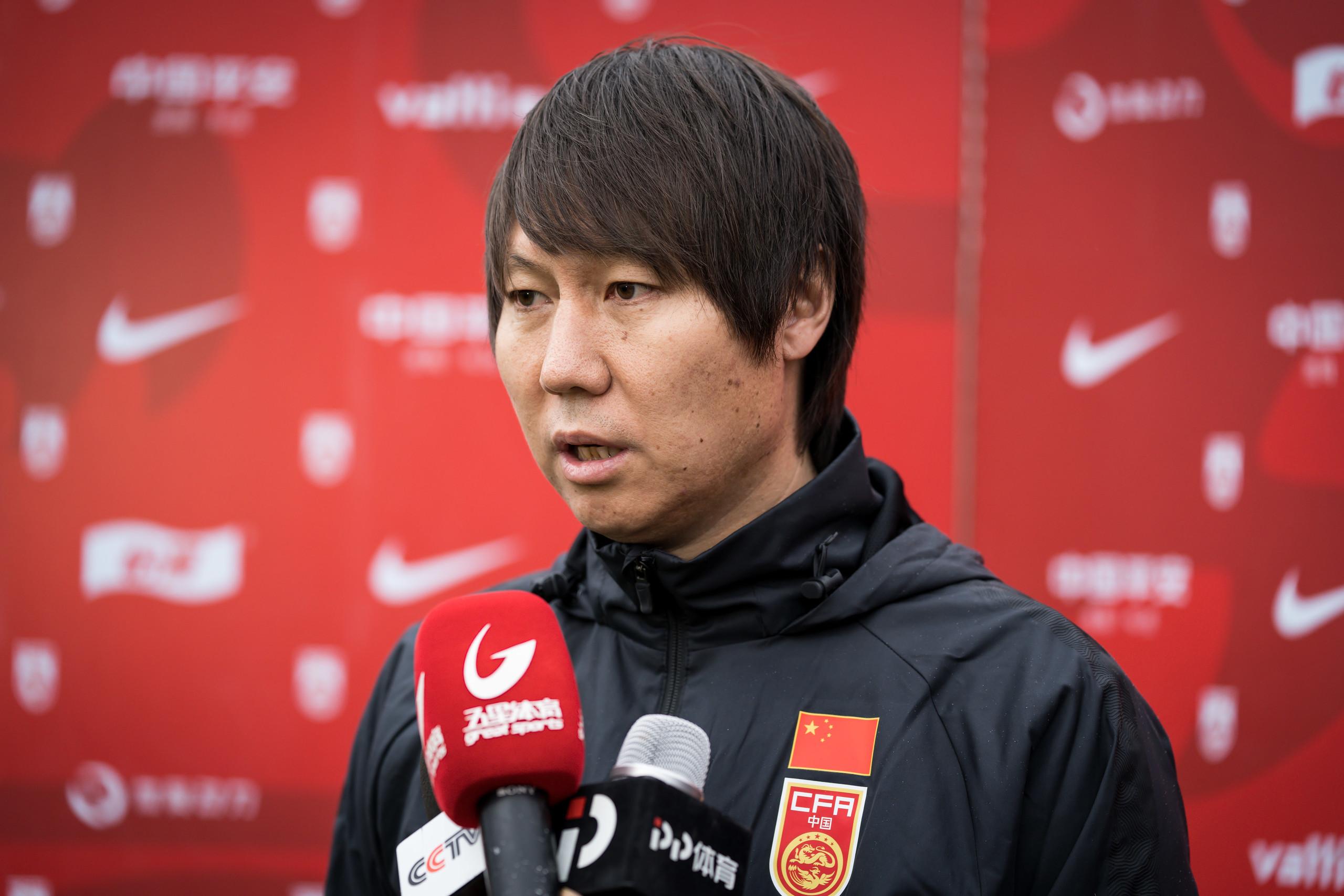 李铁:归化没有人数限制,愿意为国足踢球就可以