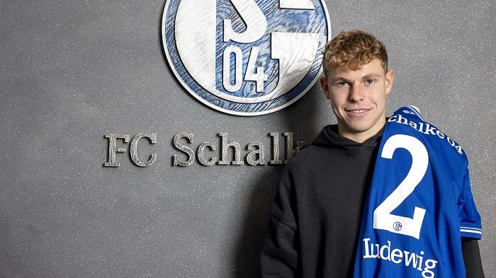 官方:沙尔克租借签下萨尔茨堡右后卫路德维希
