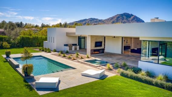 布克以345万美元的价格卖掉其在亚利桑那的豪宅