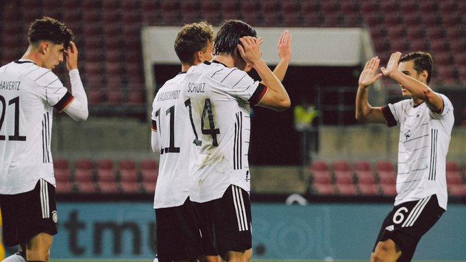 GIF:瓦尔德施密特抓住机会爆射破门,德国再度超出比分