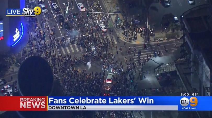 洛杉矶市长:请大家在家庆祝湖人夺冠,避免集聚和传播病毒